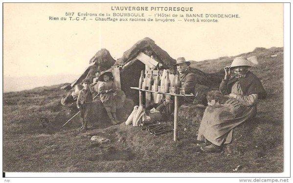 carte postale ancienne d'un Tra en Auvergne